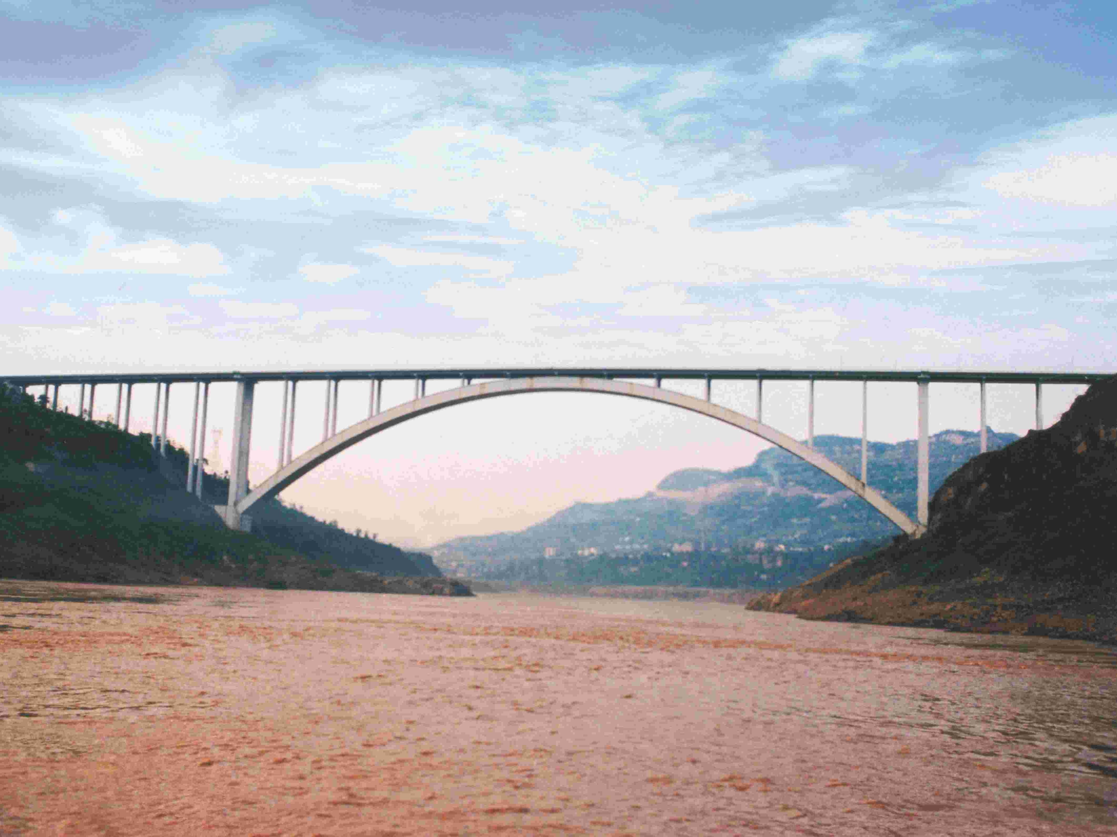 重庆万县长江公路大桥
