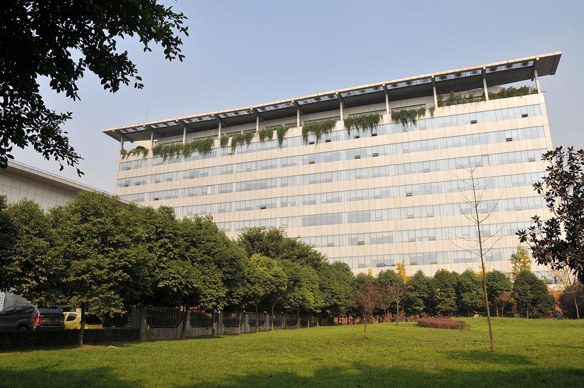 集团办公大楼(1).jpg